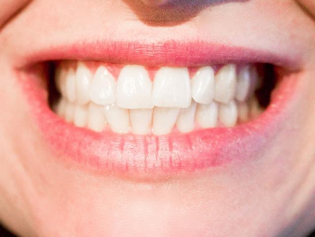 Miód a choroby jamy ustnej